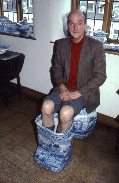 Robert Copeland demonstrating Spode foot bath